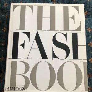Hardcover The Fashion Book